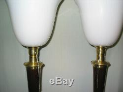 1 une Belle lampe art déco MAZDA ACAJOU ET LAITON bois massif en parfait état. D