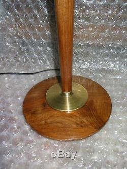 1 une Belle lampe art déco MAZDA NOYER ET LAITON bois massif en parfait état. +
