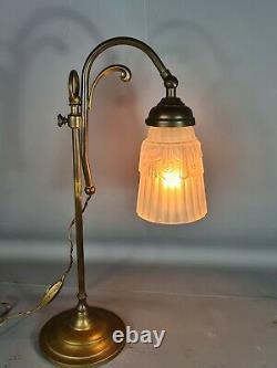 Ancienne lampe de table col de cygne Art déco. Très bon état SB