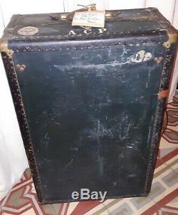 Ancienne malle cabine de voyage cuir tissu laiton boites de rangement étiquettes