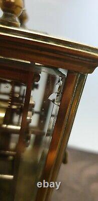 Belle et Rare Pendulette dofficier en bronze ou laiton doré à sonnerie