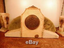 Garniture art deco onyx et laiton dore fonctionne sonne
