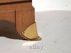 Grande armoire art deco chêne et laiton 1940