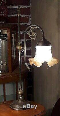 Grande lampe 1900 a tulipe art nouveau laiton, cuivre, bronze, art deco que