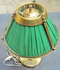 Jolie lampe art-déco en laiton et tissus vert début 20 ème