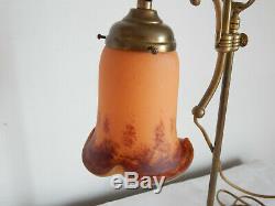 LAMPE de Bureau ou Chevet Art Déco en LAITON avec Tulipe en Pâte de Verre