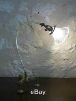 Lampe articulée moderniste verre Holophane, Art Nouveau Art déco. Lampe atelier