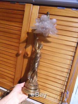 Lampe chevet bureau statue femme au style art nouveau deco