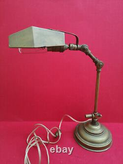 Lampe de bureau ancienne en laiton avec système pour déclipser le bras