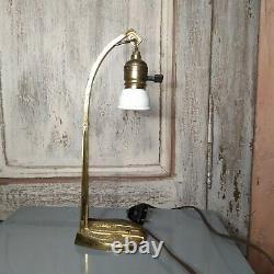 Lampe de table ou bureau en laiton bronze fin XIX ème Art Deco