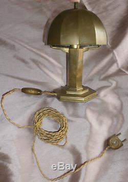 MORAND PARIS Rare lampe champignon à gradins en laiton Art Déco / Moderniste