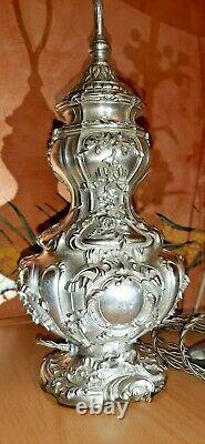 Magnifique rocaille, lampe ancienne en bronze et laiton argenté finement ciselée