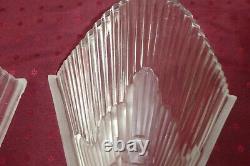 Paire D'appliques Murales En Verre Moule Presse Monture Art Deco Art Nouveau