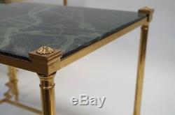 Paire de Bouts de Canapé en laiton doré et dessus de marbre vert antique