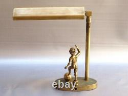 Rare lampe art deco Bauhaus bronze & laiton angelot jouant au football