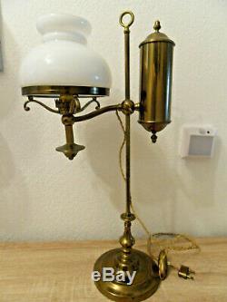 Superbe lampe monte-baisse QUINQUET en laiton et opaline ANCIEN