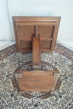 Superbe table guéridon Art Deco en chêne et laiton