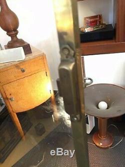 Vitrine en laiton doré et acajou 1930 Art Déco